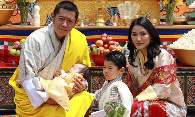 Los Reyes de Bután dan a conocer finalmente el nombre de su segundo hijo