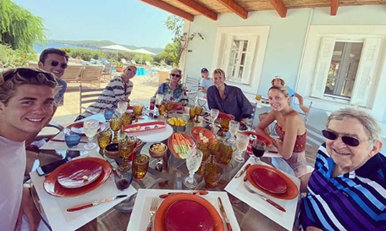 Paseos al atardecer y comidas familiares, el reencuentro de la Familia Real griega en la isla de Spetses