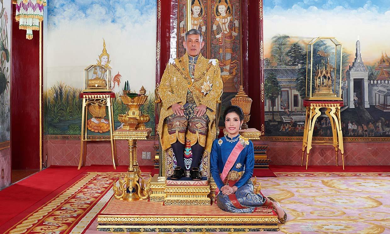 Nuevo capítulo en la corte tailandesa: el Rey restituye a su consorte