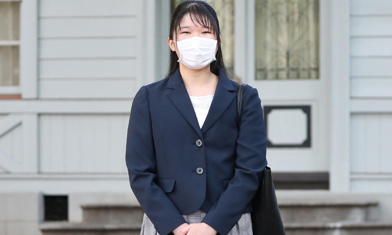 Aiko de Japón se reencuentra con sus compañeros de universidad ¡seis meses después!