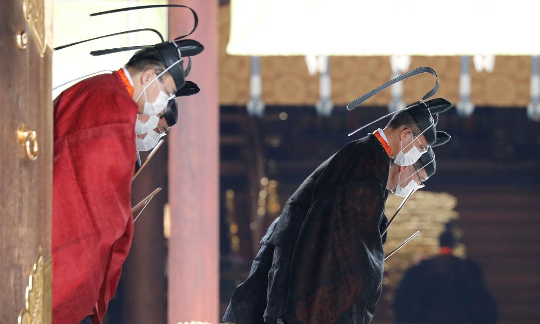 El tradicional rito de Naruhito de Japón y su familia para homenajear al emperador más revolucionario