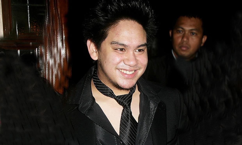 Uno de sus hermanos revela las causas de la muerte del príncipe Azim de Brunéi