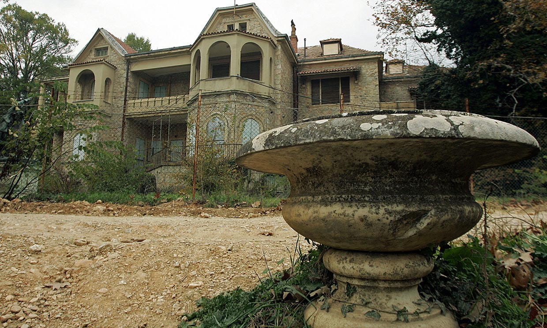 Desde la Antigua Grecia hasta hoy, el palacio donde creció doña Sofía condenado a 'resurgir de sus cenizas'