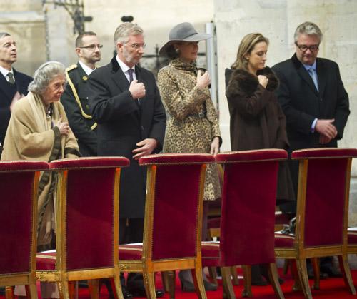 La familia real Belga celebra un austero y discreto día del Rey