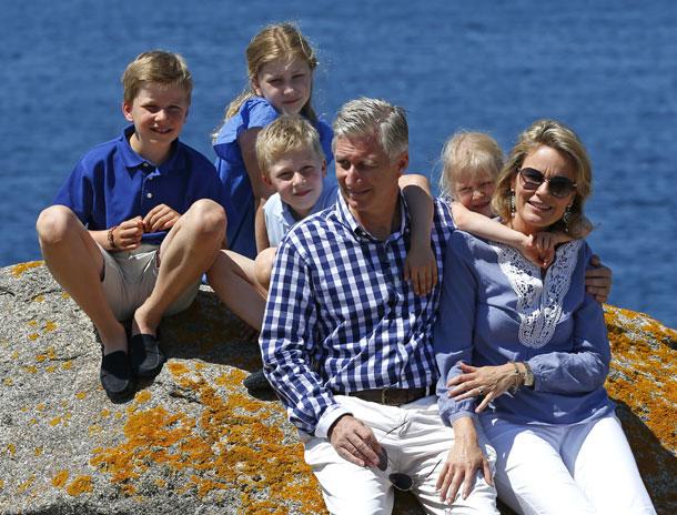 Primer posado de verano de los Reyes de los belgas y su familia