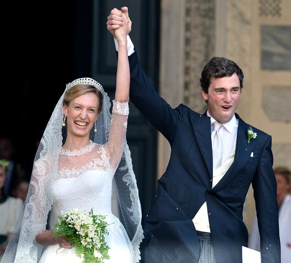La Familia Real de los belgas se reúne en el enlace del príncipe Amadeo y Lili Rosboch