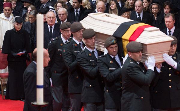 funeral1-cordon9