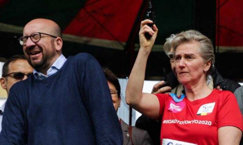La princesa Astrid lanza un pistoletazo de salida que provoca una sordera al Primer Ministro
