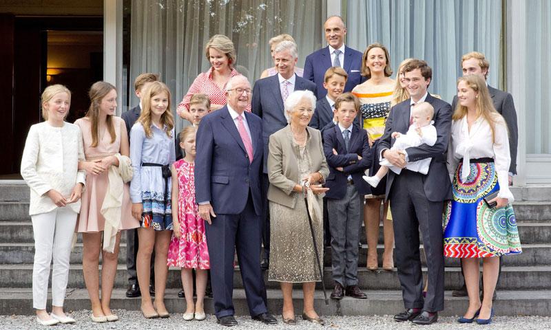 La Familia Real de los belgas se reúne al completo por el 80º cumpleaños de la reina Paola