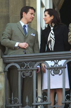 El inicio del cuento de hadas y la primera salida de Mary y Federico al balcón del palacio