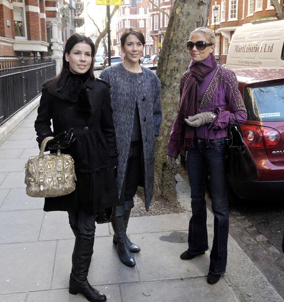 La princesa Mary se reúne en Londres con sus amigas para hacer las compras de Navidad