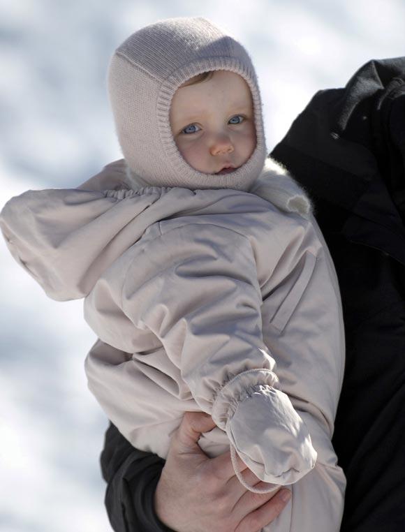 Los príncipes Federico y Mary, días de nieve en familia