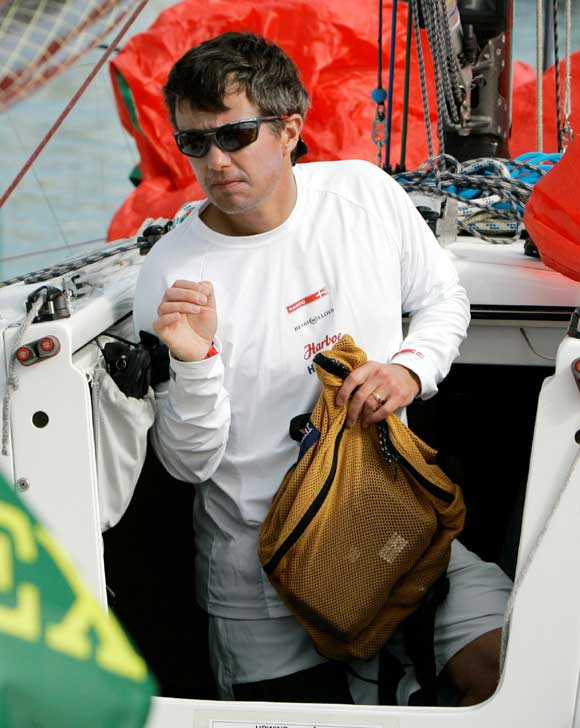 La princesa Mary y su hijo Christian animan al príncipe Federico en el campeonato de regatas