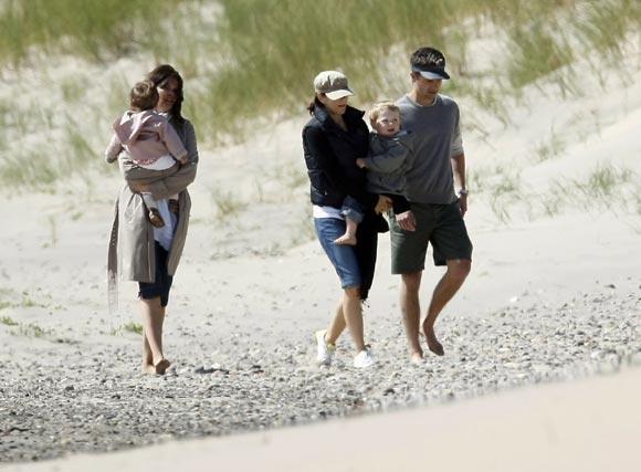 Los príncipes Federico y Mary de Dinamarca, con sus hijos, de vacaciones en Skagen