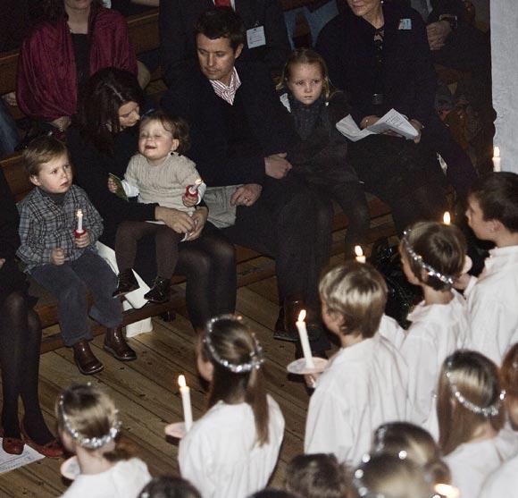 Los príncipes Christian e Isabella 'presiden' un concierto de Navidad
