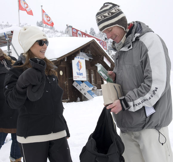 Los príncipes Joaquín y Marie de Dinamarca, días de nieve en familia en los Alpes suizos