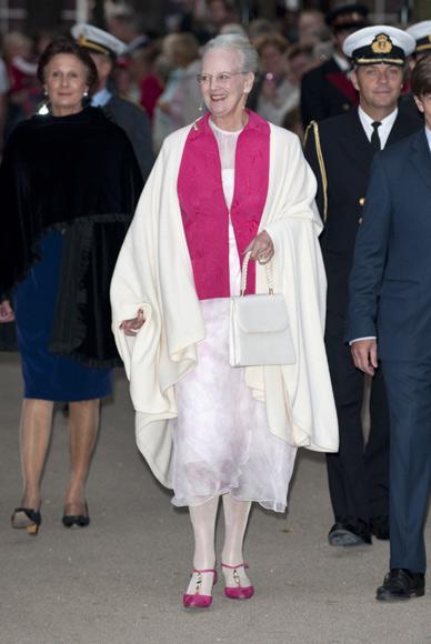 La Familia Real danesa recuerda a la reina Ingrid en el 100º aniversario de su nacimiento