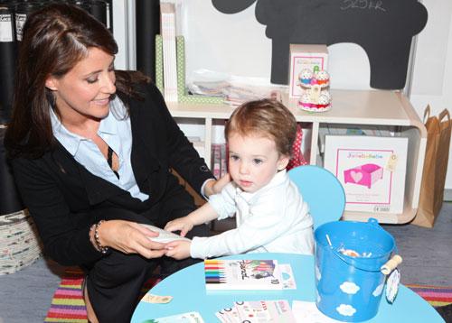 La princesa Marie lleva a un acto oficial a su hijo, el príncipe Henrik