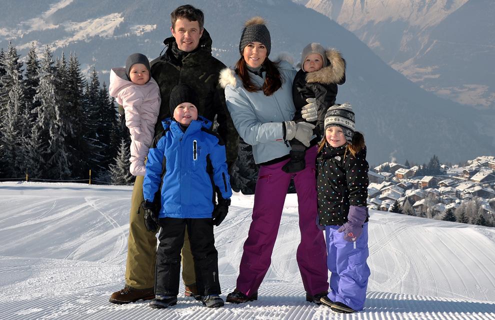 Las entrañables imágenes de las primeras vacaciones en la nieve de los príncipes Vincent y Josephine de Dinamarca