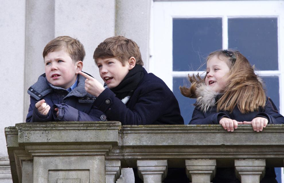 Las imágenes más entrañables del príncipe Henrik de Dinamarca con sus nietos