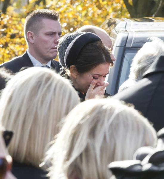 Las lágrimas de la princesa Mary en el funeral de su doncella