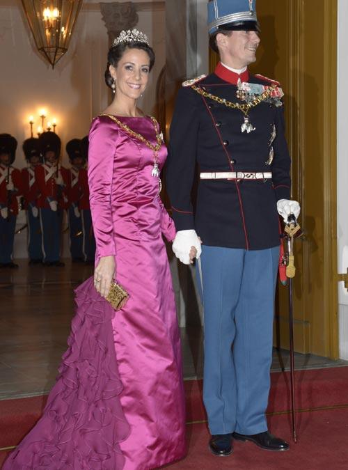 Joyas con significado y vestidos repetidos... la Familia Real danesa arranca su agenda