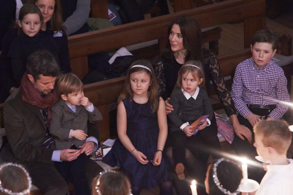 Los pequeños Christian, Isabella, Vincent y Josephine de Dinamarca, grandes protagonistas del tradicional concierto de Navidad