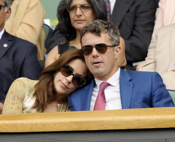 David Beckham y los padres de la duquesa de Cambridge