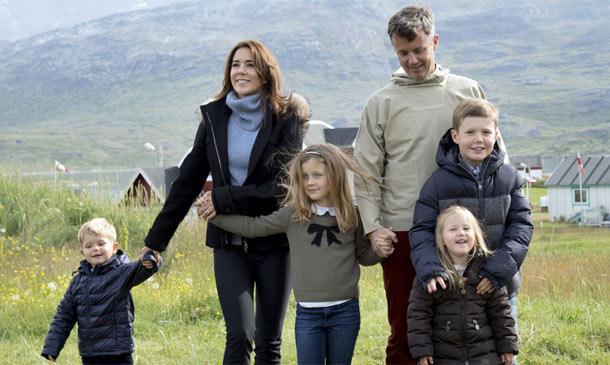 Calor familiar en el polo: El álbum de Federico y Mary de Dinamarca con sus hijos en Groenlandia