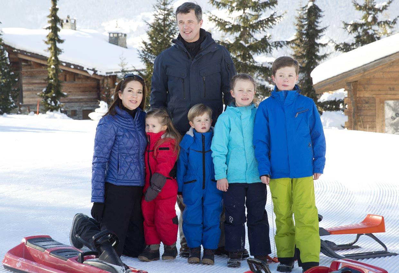Las vacaciones en la nieve de Federico y Mary de Dinamarca y su familia
