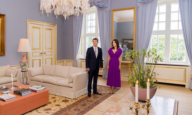 ¿Cómo se decora el salón de una princesa? Te lo descubrimos con Mary de Dinamarca