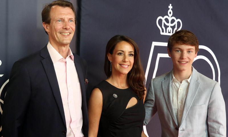 Félix de Dinamarca, segundo nieto de la reina Margarita, se desmarca de la educación tradicional de la Familia Real