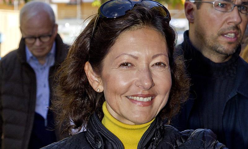 La condesa Alejandra triunfa con sus conferencias: gana 27.000 euros en hora y media y agota las entradas