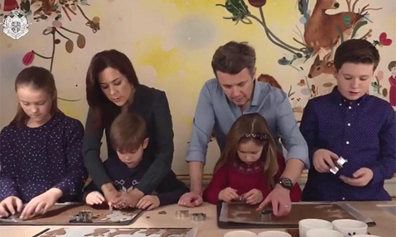 ¡Galletas en palacio! La dulce Navidad de Federico y Mary de Dinamarca con sus hijos