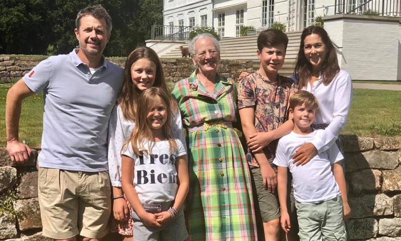 Empiezan las vacaciones para la Familia Real danesa: el tierno reencuentro de la Reina con sus nietos