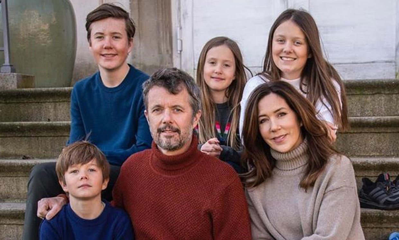 Federico y Mary de Dinamarca abren las puertas de su casa y comparten una curiosa imagen