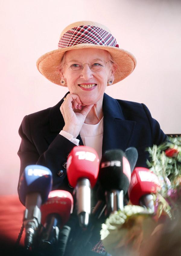 Margarita de Dinamarca ante los medios