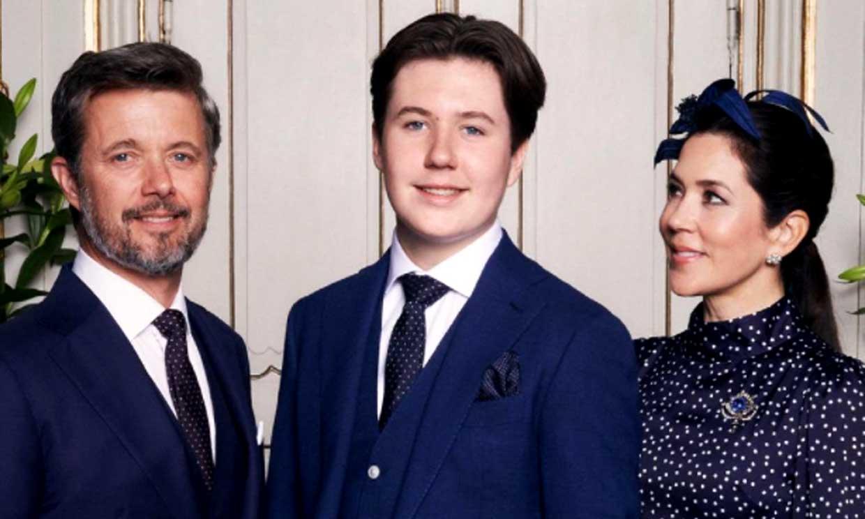 La serenidad de Christian de Dinamarca y el orgullo de sus padres en las fotos oficiales de su confirmación