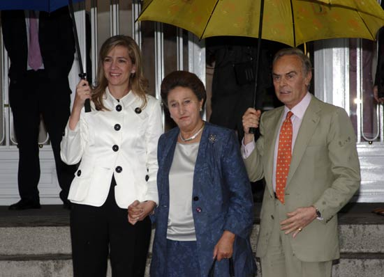 Felipe Juan Froilán recibe la Primera Comunión