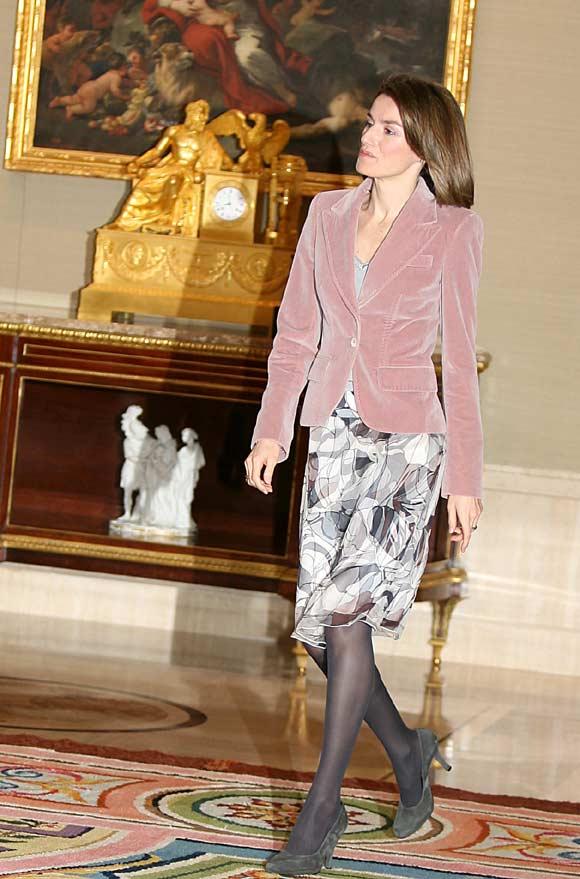 Doña Letizia 'da color' a la agenda oficial de la Familia Real española