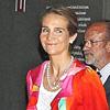 La infanta Elena pone el toque de color en la inauguración de una exposición en Valladolid