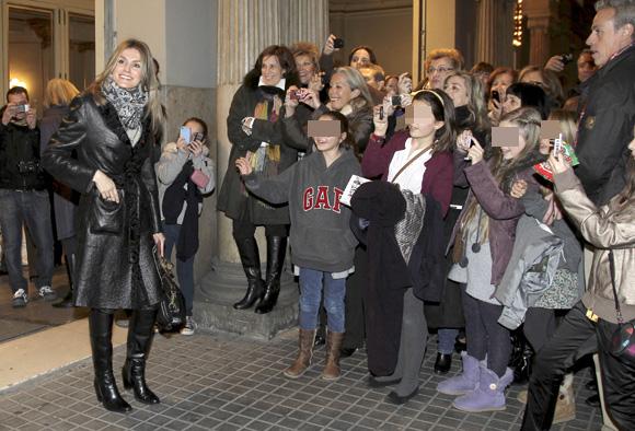 La Princesa de Asturias y su hermana, Telma Ortiz, juntas en el teatro