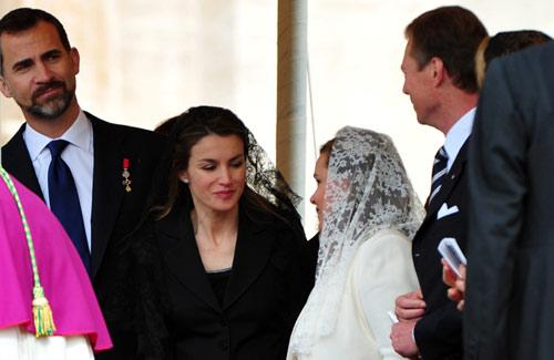 Los Príncipes de Asturias encabezan la delegación española en la beatificación del Papa Juan Pablo II