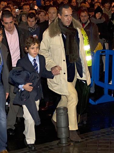 Felipe de Marichalar disfruta con su padre del Madrid-Barça