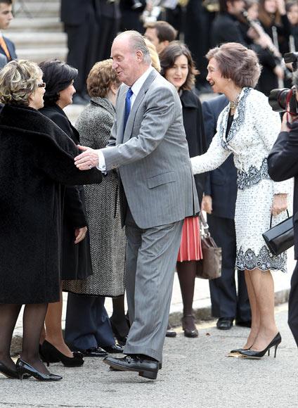 Don Juan Carlos advierte que 'vienen tiempos muy duros' y pide vencer el paro y el terrorismo