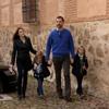 Los Príncipes de Asturias y sus hijas visitan por sorpresa Almagro