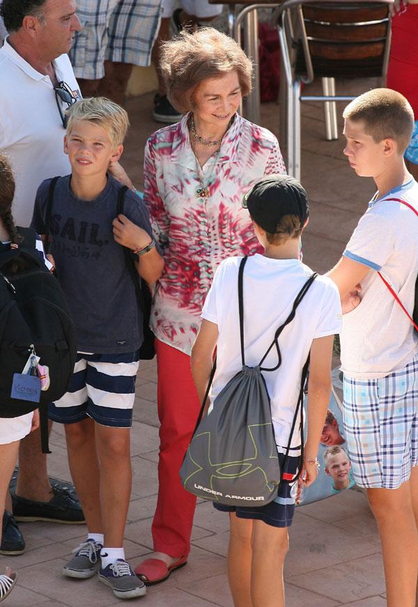 Las infantas elena y cristina han viajado a mallorca para for Escuela de cocina mallorca