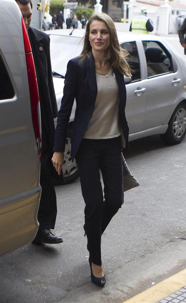 La princesa Letizia se une al príncipe Felipe en Buenos Aires para promover Madrid 2020