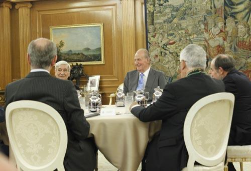 El buen aspecto del rey Juan Carlos en su primera audiencia un mes después de ser operado