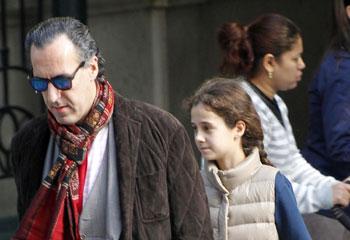 Feliz reencuentro de Jaime de Marichalar y su hija Victoria Federica, que actualmente estudia en un internado inglés
